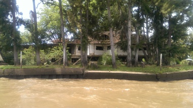 old abandoned building in the tigre delta