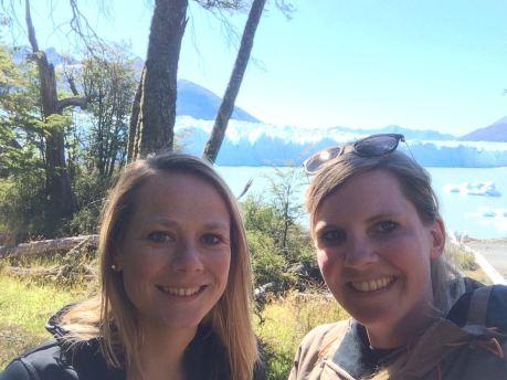 Suzy und ich am Lago Traful