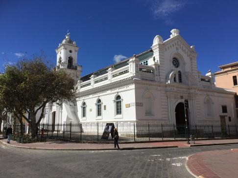 Kirche neben dem Hauptplatz