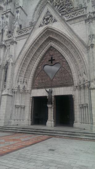 Eingang zur Basilika, Quito