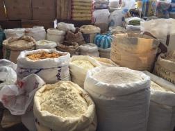 Gewürze, Reis, Quinoa, Mehl - Markt von Pujili