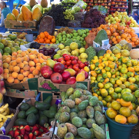 Früchte en masse auf dem Markt von Pujili